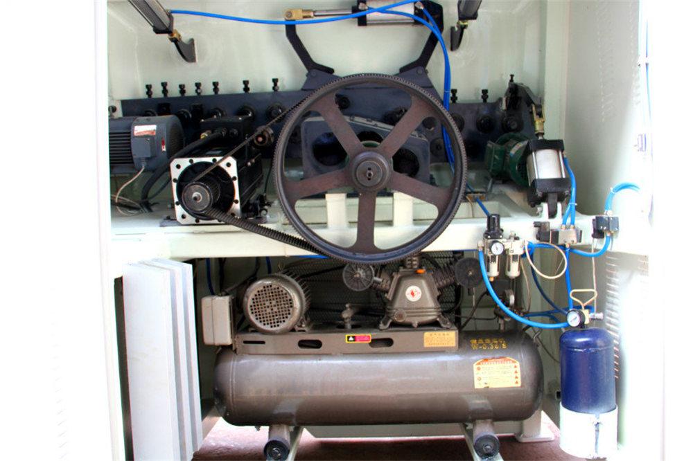 CNC stiepļu liekšanas mašīna4